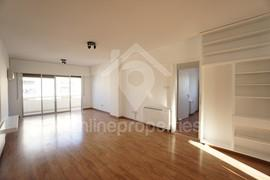 Top floor 3bedroom off Makarios Ave.