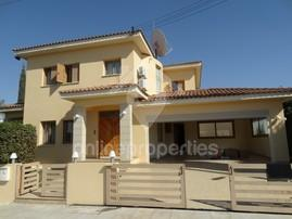 4 bed Detached House at Latsia with swimming pool & garden