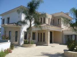 Beautiful Detached House at Pera Orinis