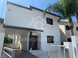 Beautiful,nicely  furnished 3-bedroom house