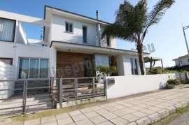 HOUSE IN MAKEDONITISSA FOR RENT