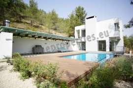 4 Bedroom House-Villa at Pera Orinis