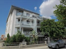Fully loaded Large modern living near Unic