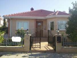 Detached House of 5 bedrooms located in Lakatamia