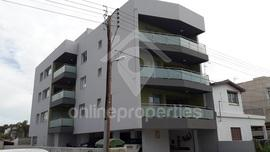 Three-storey residential building of 6 flats in prime location