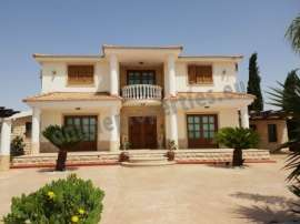 CLASSIC HOUSE FOR RENT - TSERI , NICOSIA