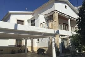 Beautiful,nicely furnished 2 bedroom upper house