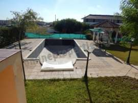 SIX BEDROOM HOUSE IN STROVOLOS FOR RENT