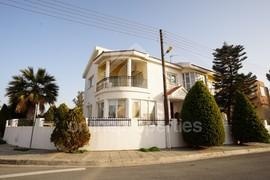 House at Strovolos with a nice garden+patio