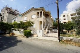 Great price for a furnished upper house close to the city center