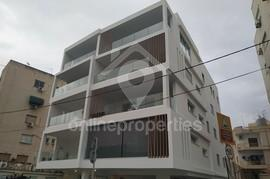 Top floor brand new three bed close to the city center