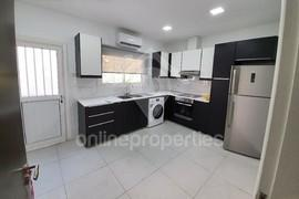 Nice 3bedroom upper house close to the city walls