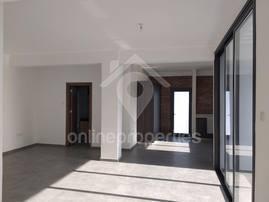 Whole floor, top floor 3 bedroom for sale or rent
