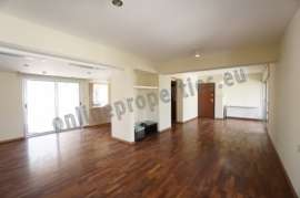 Lovely Maisonette in capital for rent