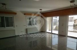 Large 4bedroom flat in Acropolis for sale or rent